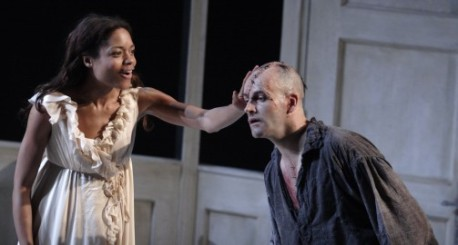 FRANKENSTEIN, National Theatre 2011, directed by Danny Boyle NAOMIE HARRIS as Elizabeth, JONNY LEE MILLER as Victor Frankenstein. Photo by Catherine Ashmore
