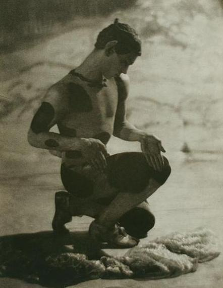 Nijinsky_as_the_Faun