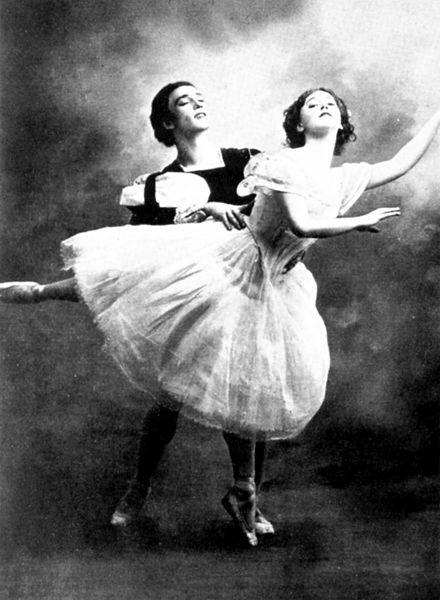 Tamara_Karsavina_Vaslav_Nijinsky_Giselle_1910_02